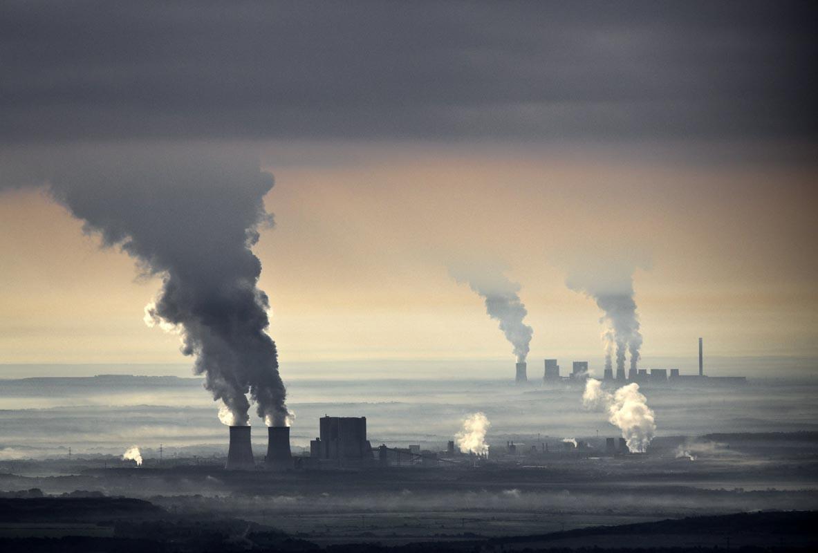 Vista aerea de la Central Eléctrica de Carbón en Lausitz, Alemania.
