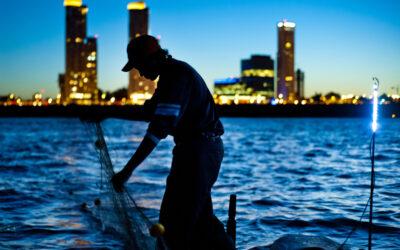 Pesca en el Paraná: veda, extractivismo y frigoríficos sin control