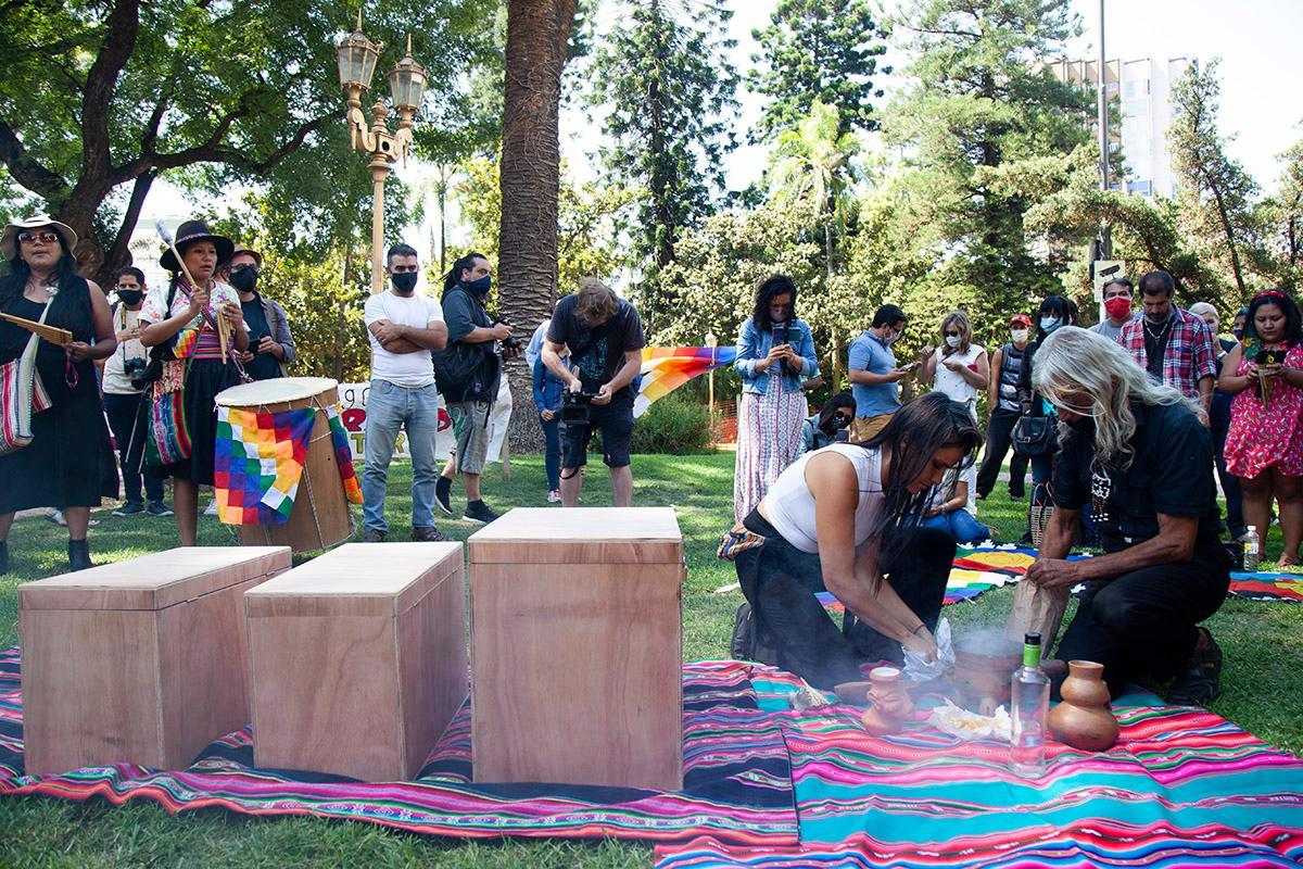 Comunidad indígena Querandí logró la primera restitución de restos indígenas._