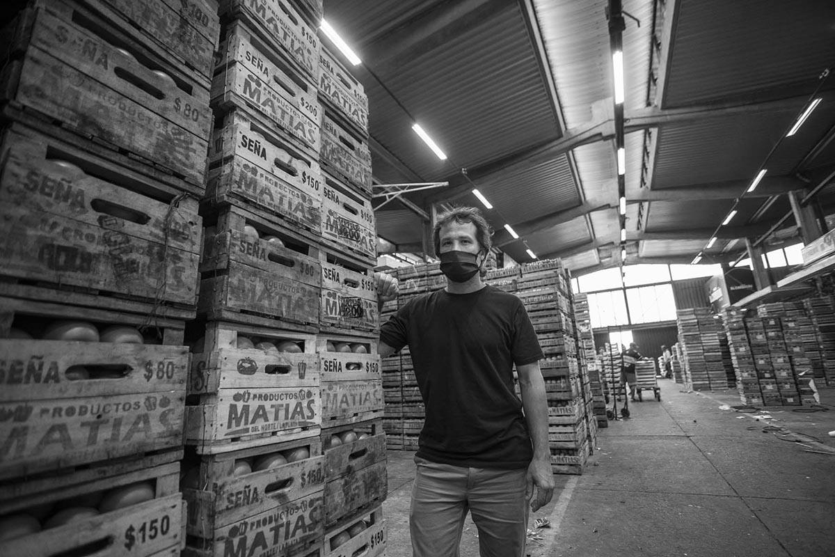 Nahuel Levaggi en el Mercado Central