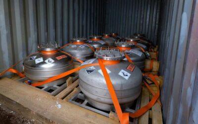 Barrick Gold y Ministerio de Ambiente trasladaron 100 toneladas de mercurio de Veladero a Bahía Blanca