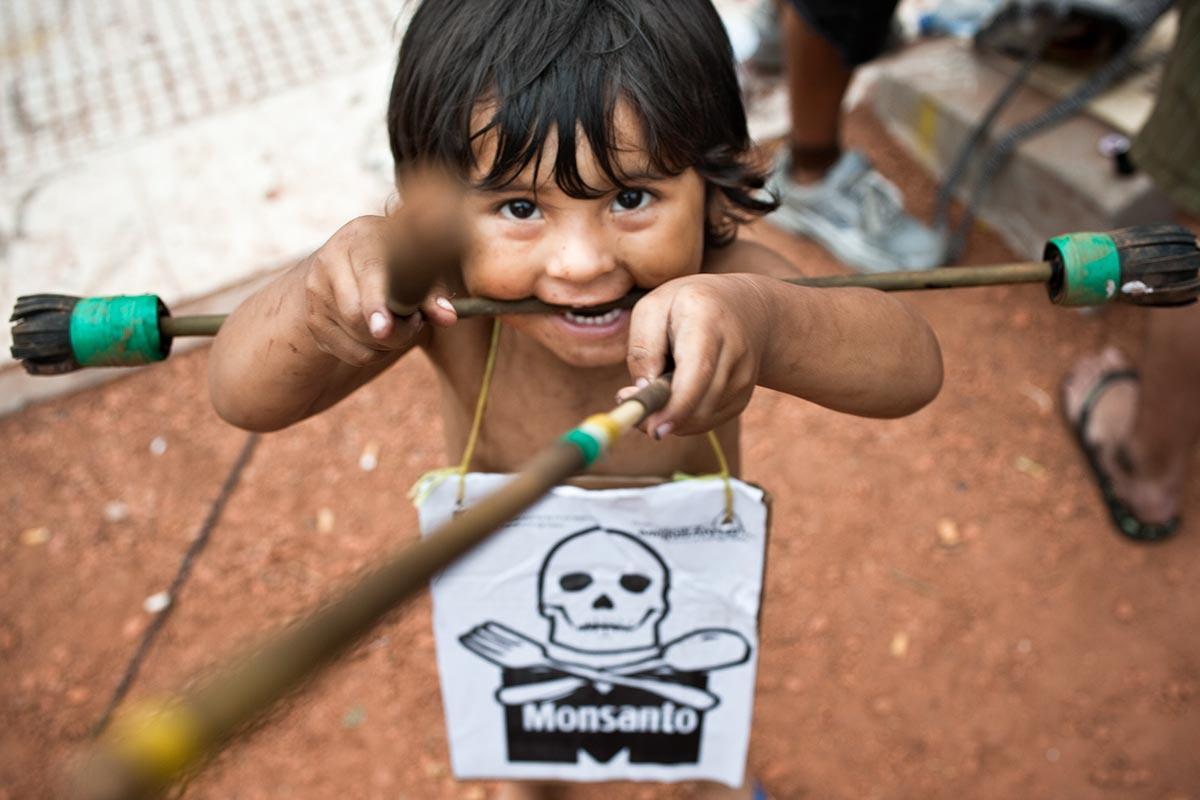 Nota de Javier Souza, Pediatria y plaguicidas